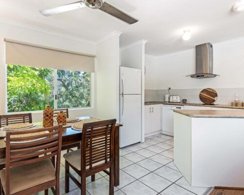 port-douglas-accommodation-2bed-9